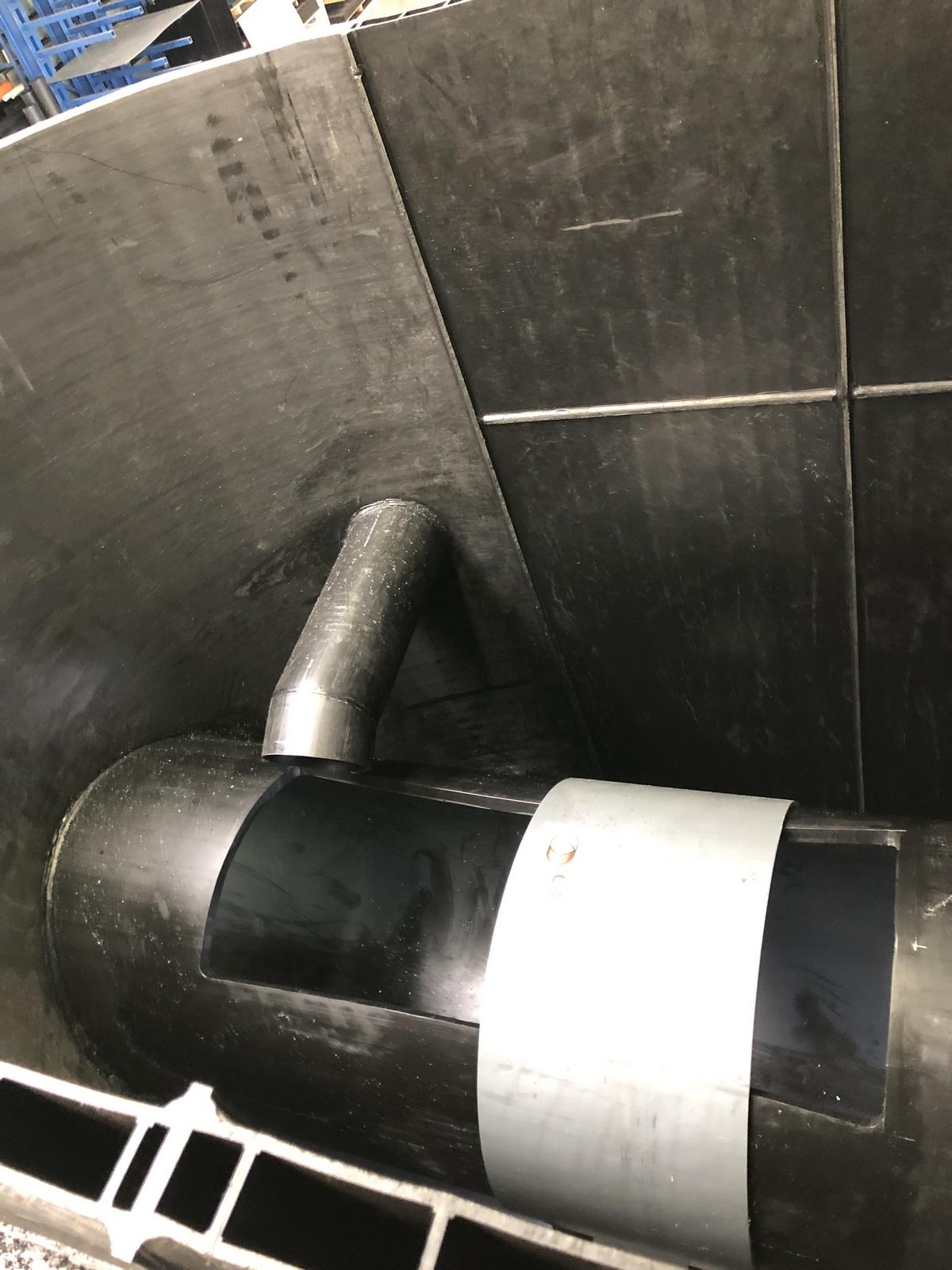 Déversoir HDPE 1200 09